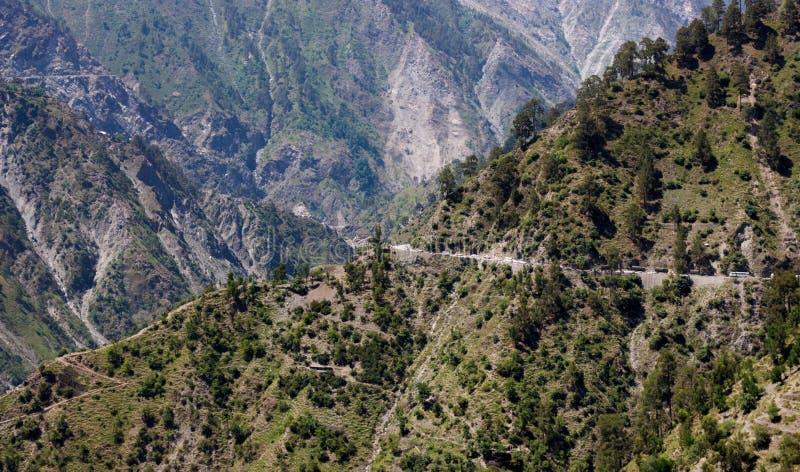 Επικίνδυνοι δρόμοι βουνών, Ιμαλάια στοκ φωτογραφία