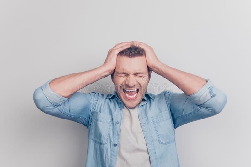 Επικεφαλής έτοιμός μου εκρήγνυται τη φωτογραφία του ατόμου κακού συναισθήματος με τις ιδιαίτερες προσοχές στοκ φωτογραφίες με δικαίωμα ελεύθερης χρήσης