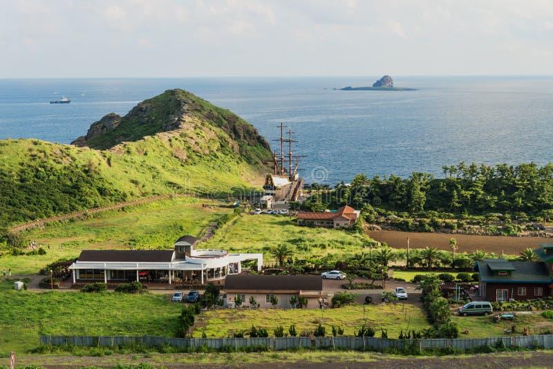 Επικεφαλής βράχος δράκων στην ακτή Yongmeori, sanbang-RO/$L*RO, νησί Jeju, Νότια Κορέα στοκ εικόνα