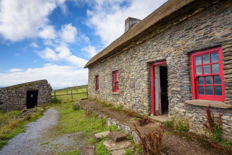 Επικεφαλής εξοχικά σπίτια πείνας Slea στην Ιρλανδία στοκ εικόνες