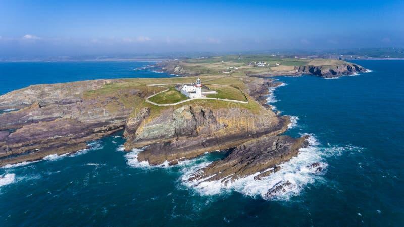 Επικεφαλής φάρος αποθηκών Φελλός κομητειών Ιρλανδία στοκ φωτογραφία με δικαίωμα ελεύθερης χρήσης
