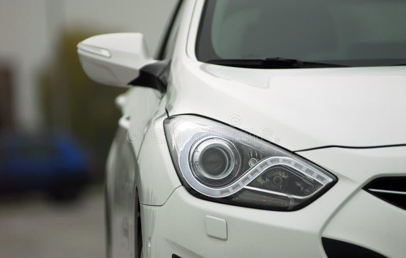Επικεφαλής λαμπτήρας αυτοκινήτων στοκ φωτογραφίες με δικαίωμα ελεύθερης χρήσης