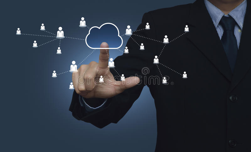 Επικοινωνία χαρτών σύννεφων διεπαφών κουμπιών αφής χεριών με την επιχείρηση στοκ εικόνες με δικαίωμα ελεύθερης χρήσης