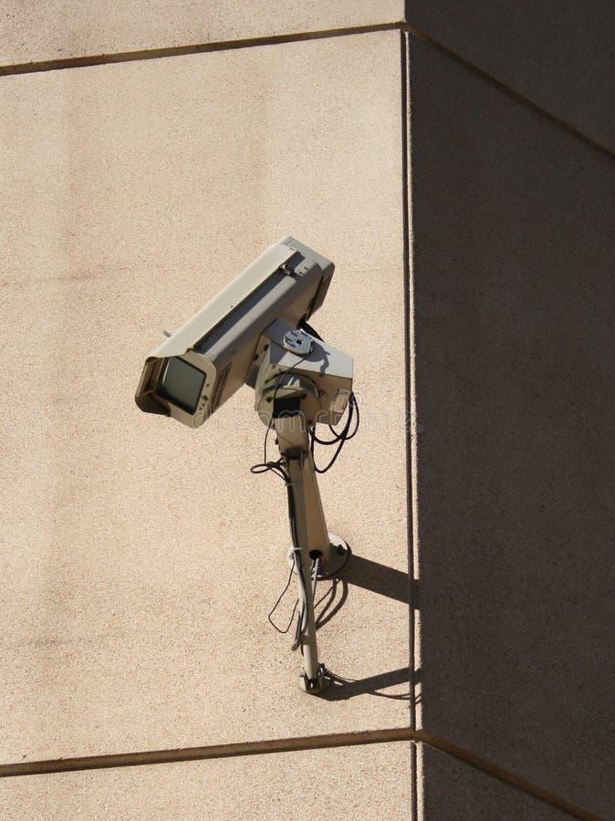 επικολλημένος CCTV τοίχος φωτογραφικών μηχανών στοκ εικόνες