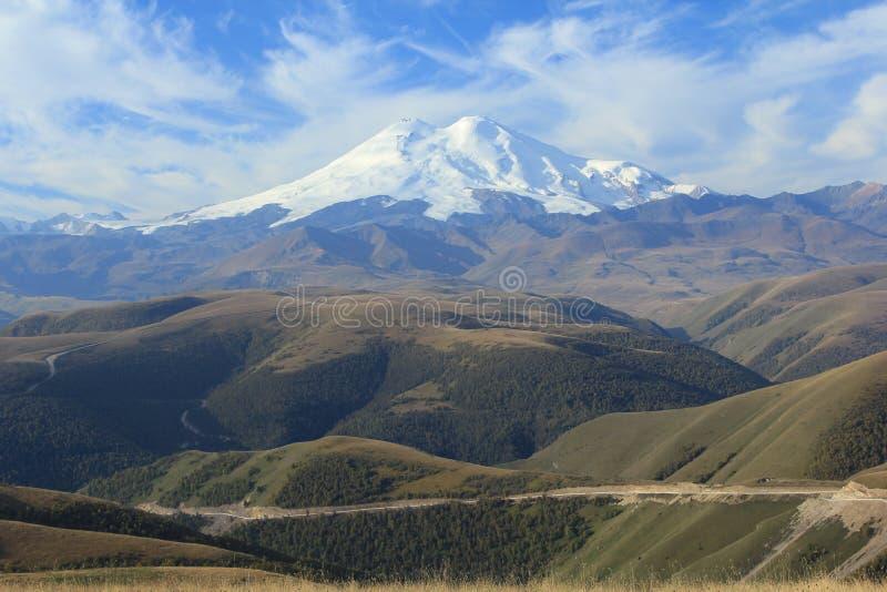 Επικολλήστε Elbrus. Βόρειος Καύκασος στοκ εικόνα με δικαίωμα ελεύθερης χρήσης