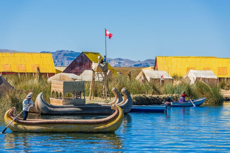 Επιπλέοντα νησιά Uros στις περουβιανές Άνδεις σε Puno Περού στοκ φωτογραφία με δικαίωμα ελεύθερης χρήσης