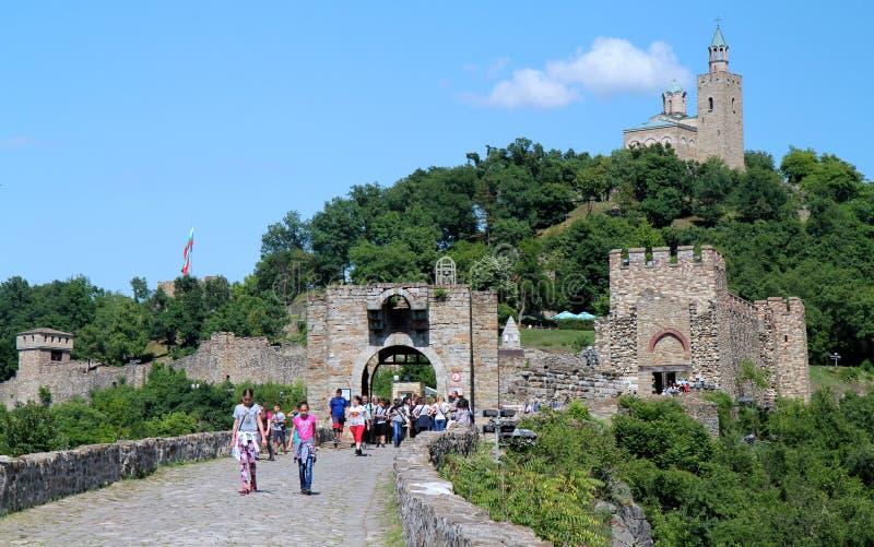 Επισκέπτες φρουρίων Tsarevets στοκ εικόνα