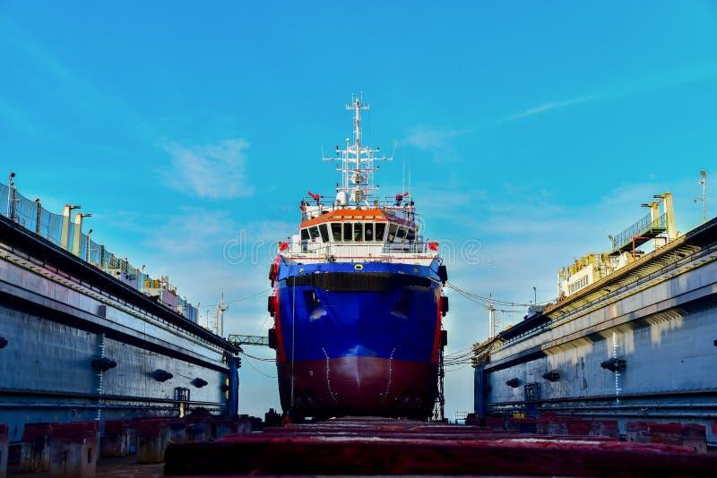 Επισκευή σκαφών στο ναυπηγείο στοκ φωτογραφία με δικαίωμα ελεύθερης χρήσης