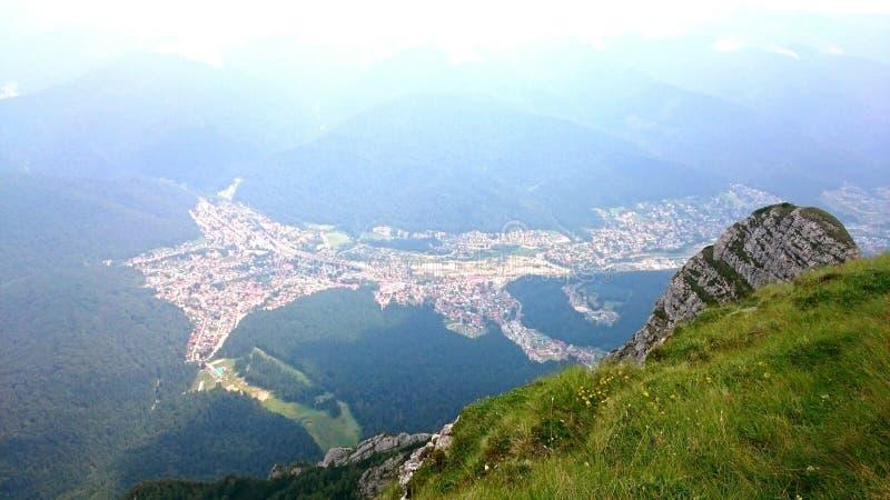 Επισκόπηση της πόλης Busteni στοκ εικόνες με δικαίωμα ελεύθερης χρήσης