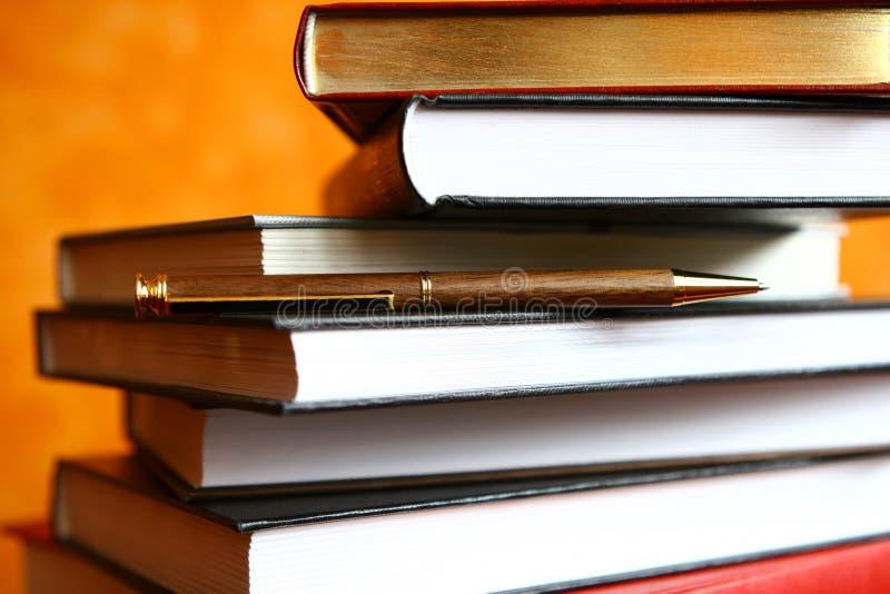 Download επιστήμη στοκ εικόνα. εικόνα από σελίδες, μελέτη, γραφείο - 379055