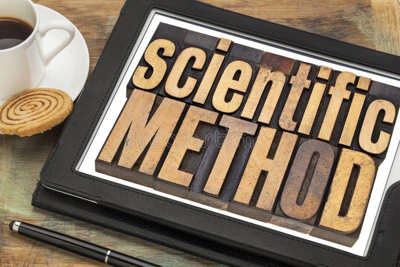 Επιστημονική μέθοδος στην ψηφιακή ταμπλέτα στοκ εικόνα