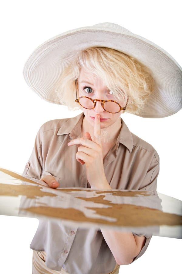 Επισφαλής κυρία με το χάρτη στοκ εικόνα με δικαίωμα ελεύθερης χρήσης