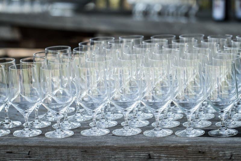 Επιτραπέζια οργάνωση γυαλιών κρασιού στοκ εικόνες