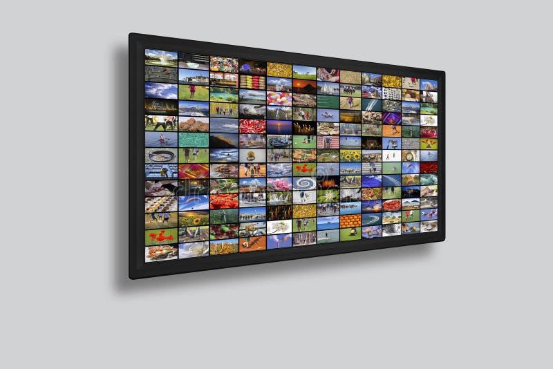Επιτροπές TV LCD ως τηλεοπτικό τοίχο με τις ζωηρόχρωμες εικόνες στοκ εικόνες με δικαίωμα ελεύθερης χρήσης