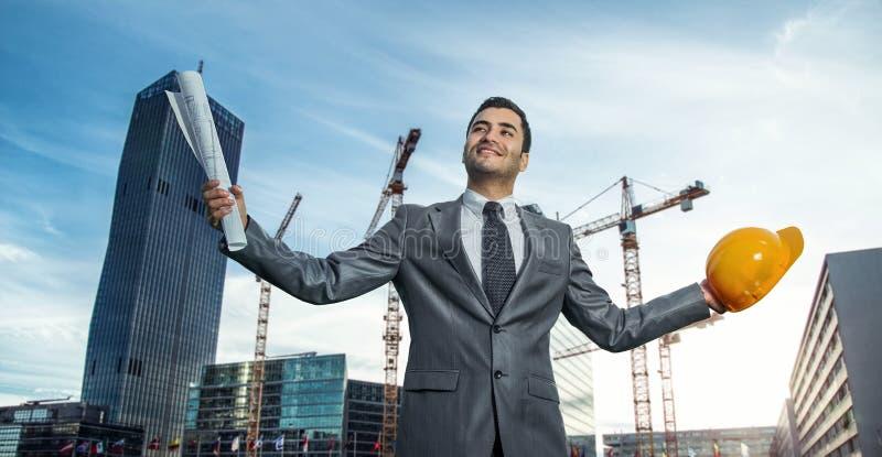 Επιτυχής μηχανικός ή αρχιτέκτονας στοκ εικόνα με δικαίωμα ελεύθερης χρήσης