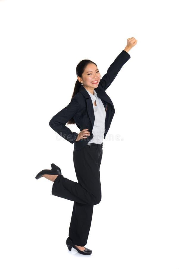 Επιτυχής νέα επιχειρησιακή γυναίκα ευτυχής στοκ εικόνες