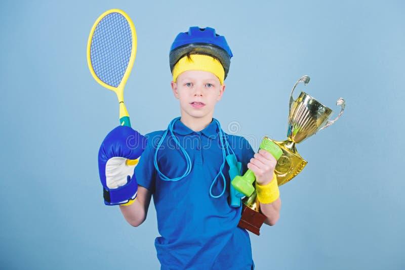 Επιτυχία στον αθλητισμό Υπερήφανος της πραγματοποιημένης επιτυχίας Πετύχετε σε όλα Επιτυχές σχοινί άλματος αθλητικού εξοπλισμού α στοκ φωτογραφίες με δικαίωμα ελεύθερης χρήσης