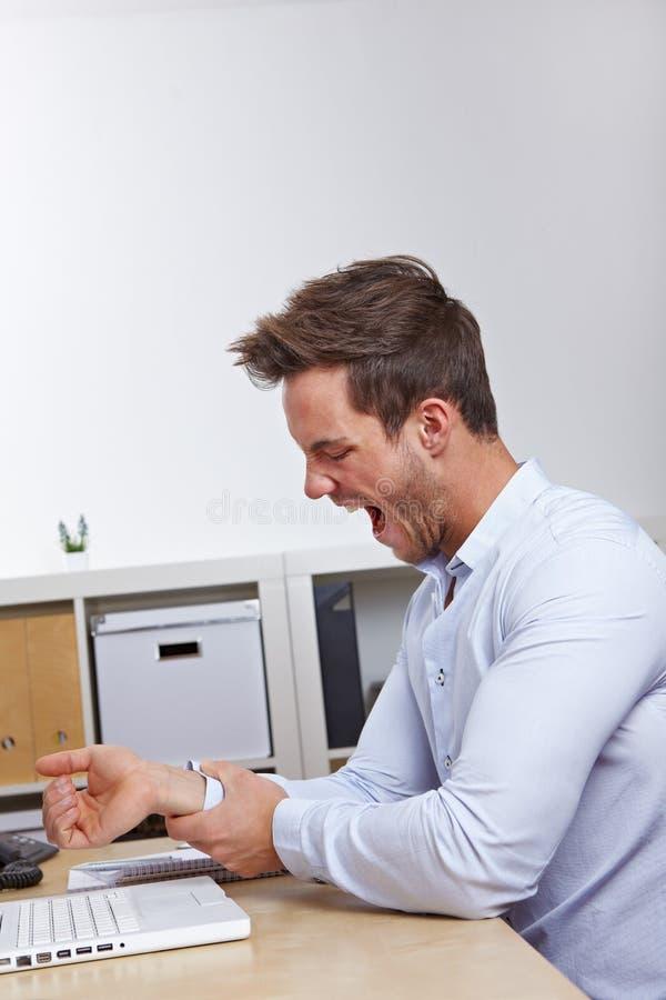 επιχείρηση το γραφείο ατόμων εκμετάλλευσής του στοκ εικόνες