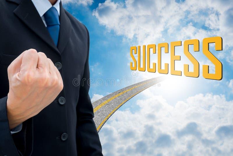 Επιχειρηματίας και δρόμος στην επιτυχία στοκ φωτογραφίες με δικαίωμα ελεύθερης χρήσης