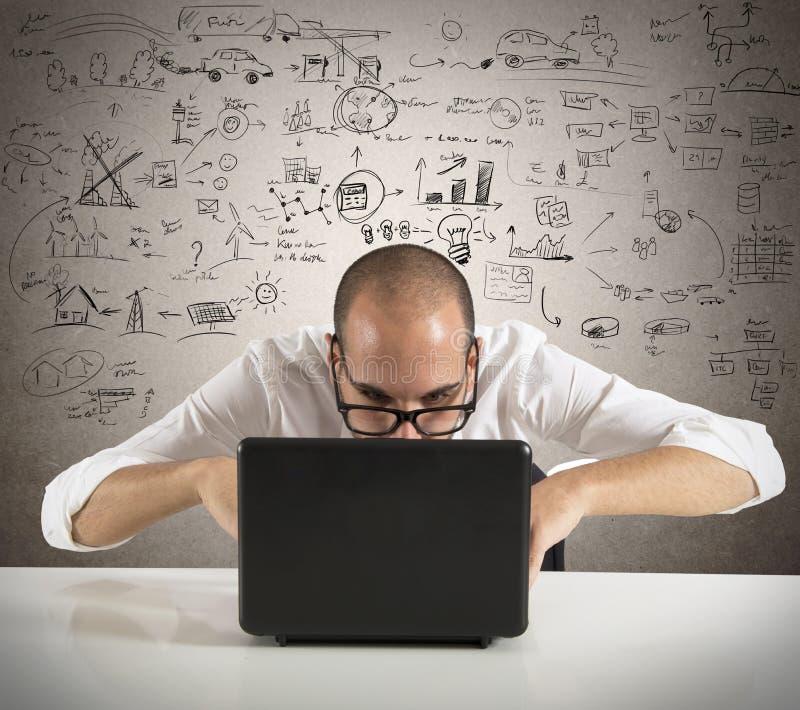 Επιχειρηματίας και νέα ιδέα στοκ φωτογραφία με δικαίωμα ελεύθερης χρήσης