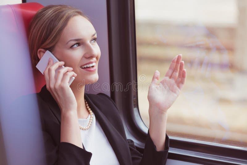Επιχειρηματίας και τηλεφώνημα στοκ εικόνες με δικαίωμα ελεύθερης χρήσης