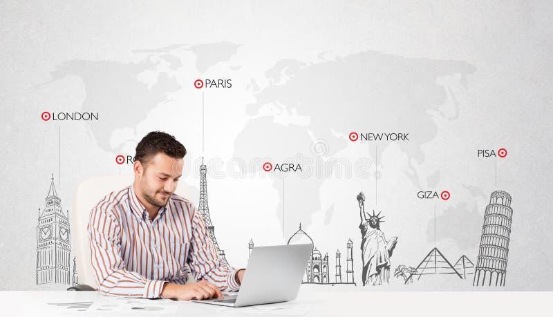 Επιχειρηματίας με παγκόσμιο χάρτη και σημαντικά ορόσημα του κόσμου στοκ φωτογραφίες