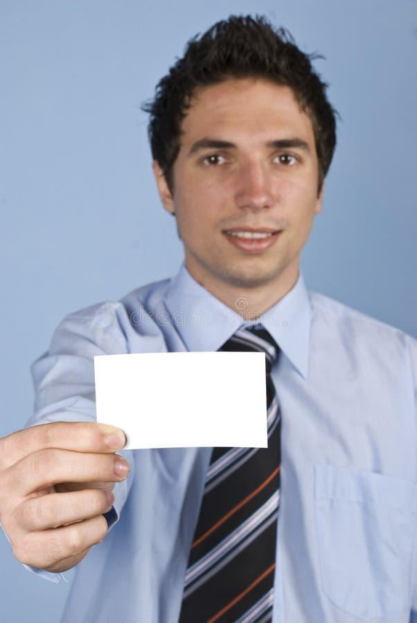 Επιχειρηματίας με την κάρτα επίσκεψης στοκ φωτογραφία