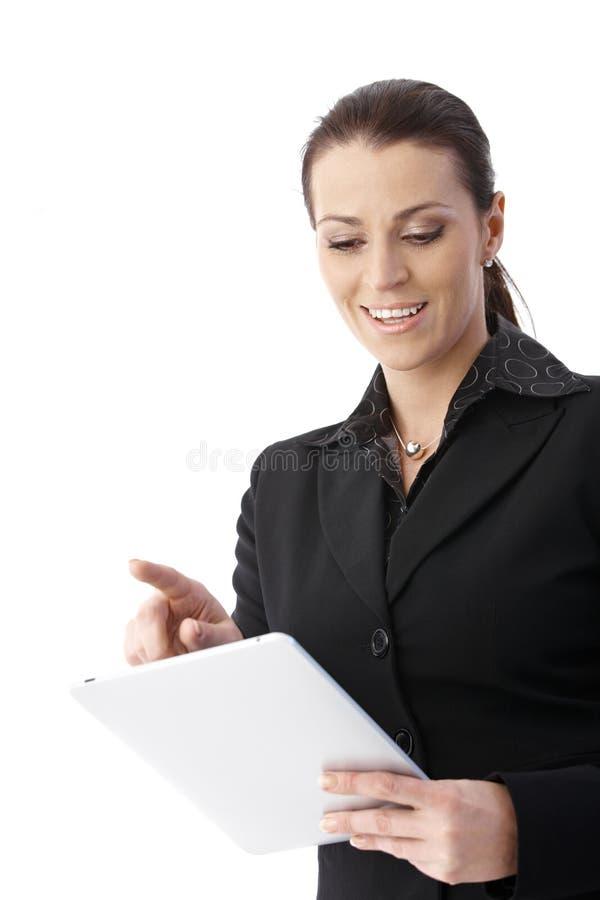 Επιχειρηματίας με τον υπολογιστή ταμπλετών στοκ εικόνες