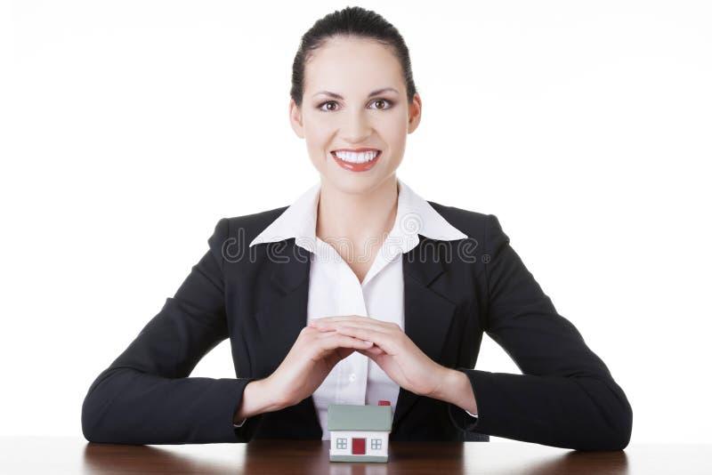 Δάνειο ακίνητων περιουσιών ή ασφαλιστική έννοια στοκ φωτογραφία με δικαίωμα ελεύθερης χρήσης