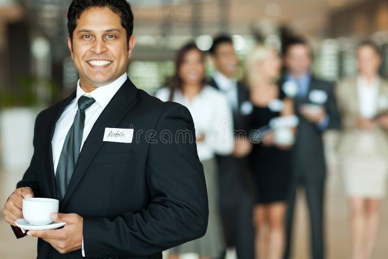 Επιχειρηματίας που έχει τον καφέ στοκ εικόνες