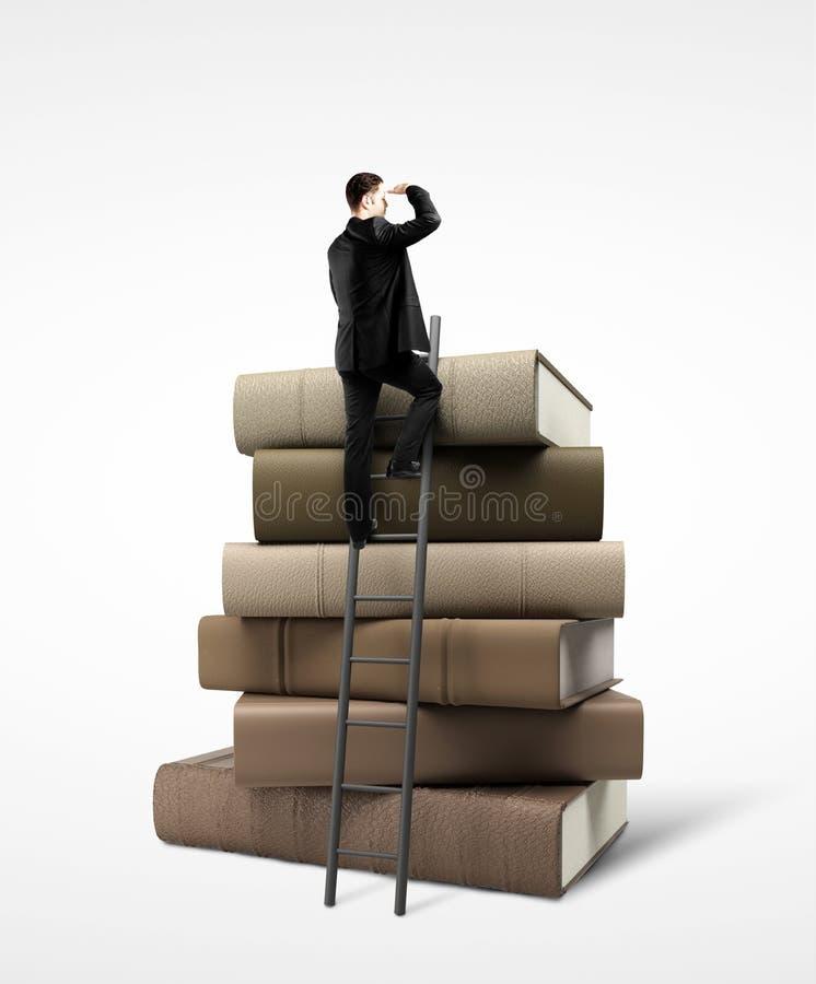 Download Επιχειρηματίας που στέκεται στο σωρό των βιβλίων Στοκ Εικόνα - εικόνα από ομάδα, συλλογή: 62705525