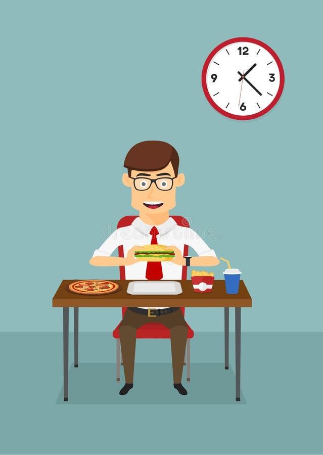 Επιχειρηματίας που τρώει το γρήγορο φαγητό στην καφετέρια γραφείων ελεύθερη απεικόνιση δικαιώματος