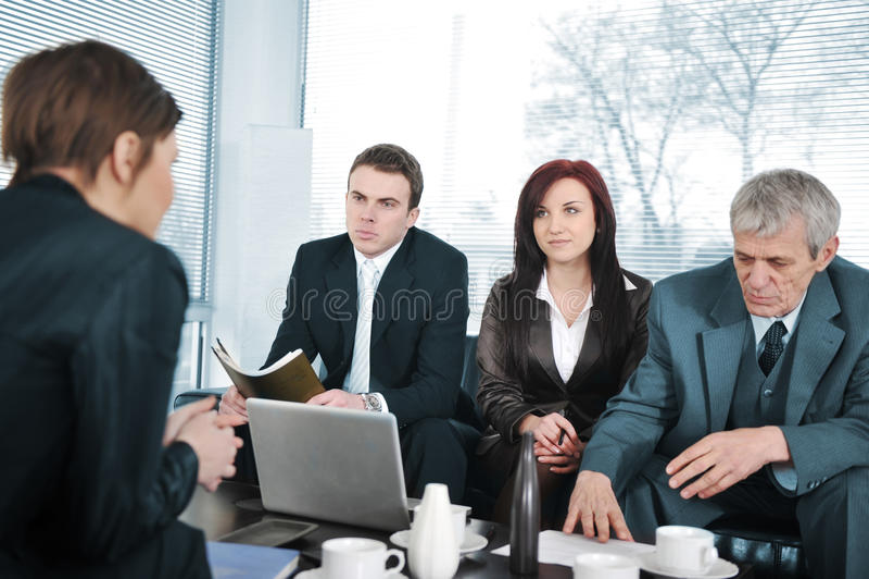 Επιχειρηματίας σε μια συνέντευξη στοκ φωτογραφία με δικαίωμα ελεύθερης χρήσης