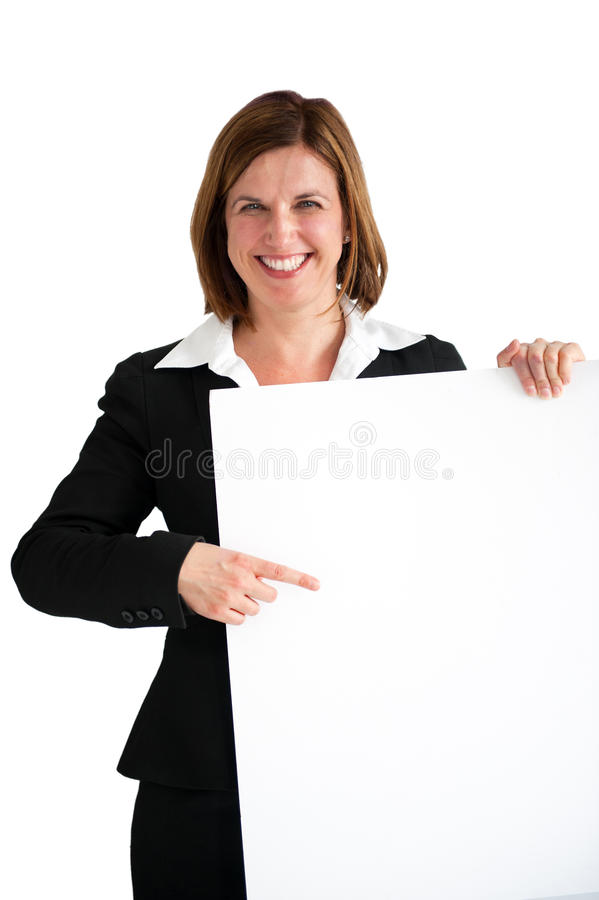 Επιχειρηματίας τον κενό λευκό πίνακα που απομονώνεται που δείχνει στοκ φωτογραφίες