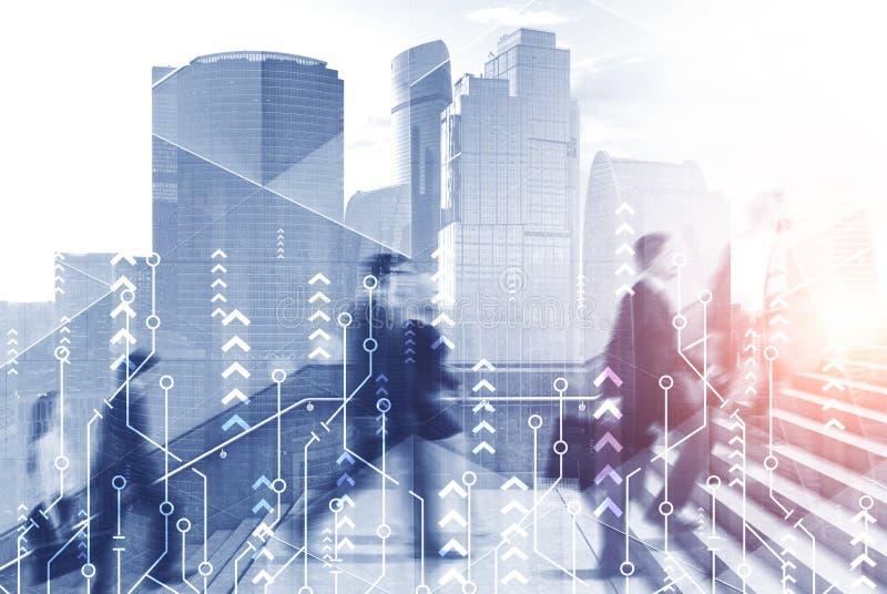 Επιχειρηματίες που αναρριχούνται στα σκαλοπάτια στην πόλη, αύξηση στοκ εικόνες