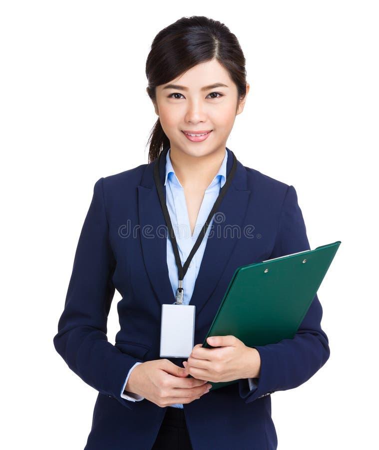 Επιχειρησιακή γυναίκα με την περιοχή αποκομμάτων στοκ εικόνες με δικαίωμα ελεύθερης χρήσης