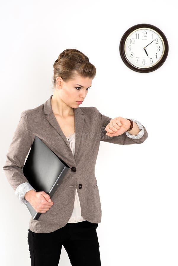 Επιχειρησιακή γυναίκα στη βιασύνη στοκ εικόνες