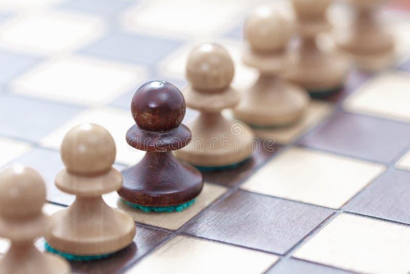 Επιχειρησιακή ηγεσία, έννοια ομαδικής εργασίας Παιχνίδι του σκακιού στοκ φωτογραφία με δικαίωμα ελεύθερης χρήσης