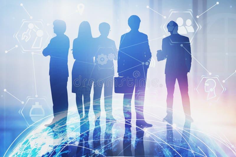Επιχειρησιακή ομάδα στην αρχή, διεπαφή Διαδικτύου στοκ εικόνες