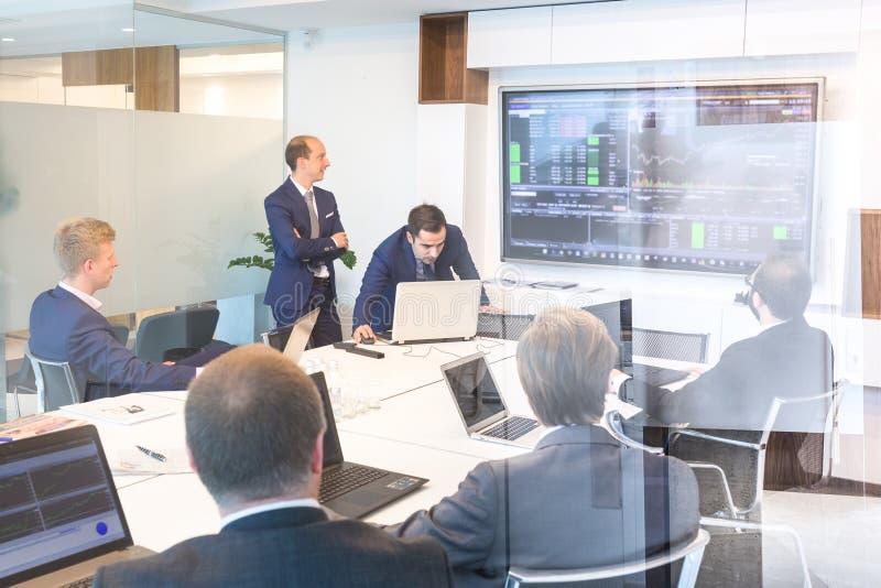 Επιχειρησιακή παρουσίαση για την εταιρική συνεδρίαση Εταιρική επιχειρησιακή έννοια στοκ εικόνες