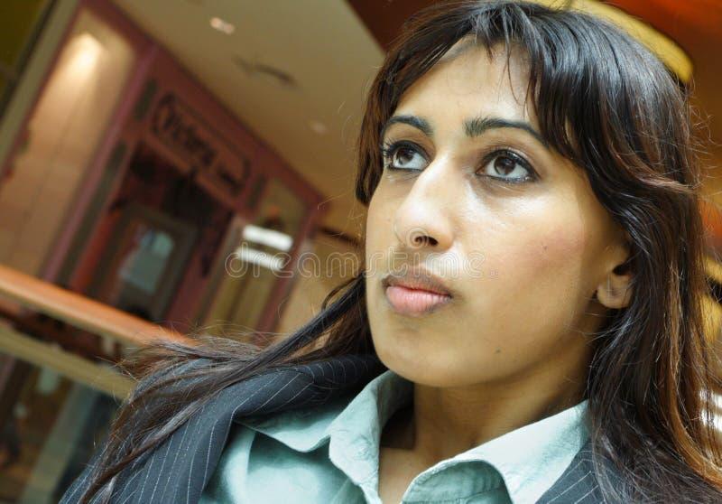 επιχειρησιακή headshot γυναίκα στοκ φωτογραφία με δικαίωμα ελεύθερης χρήσης