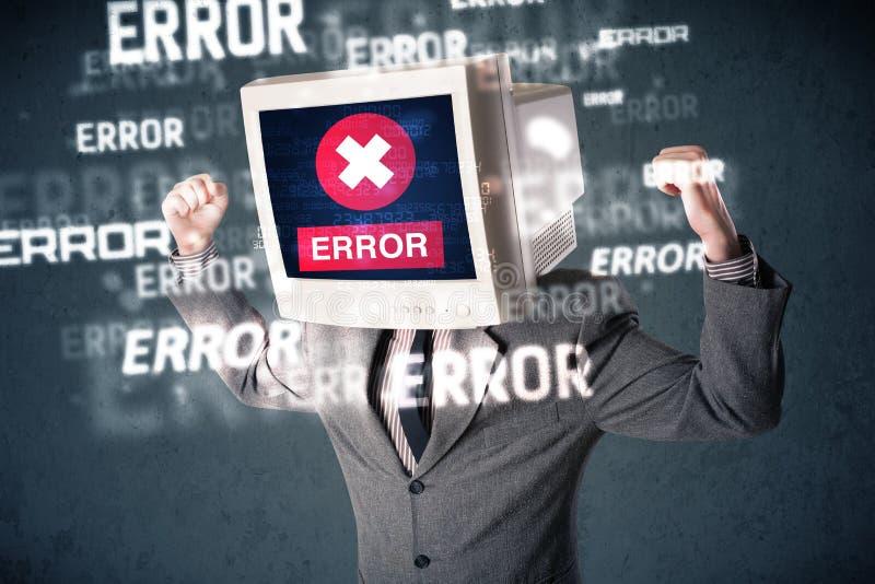 Επιχειρησιακό άτομο με το όργανο ελέγχου PC στο κεφάλι και τα μηνύματα λάθους του στο τ στοκ φωτογραφία