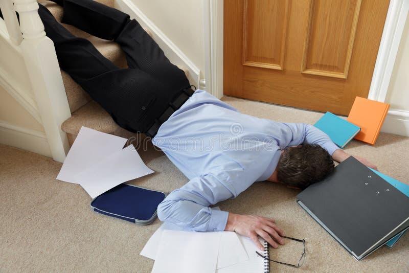 Πτώση κάτω από τα σκαλοπάτια στοκ φωτογραφία