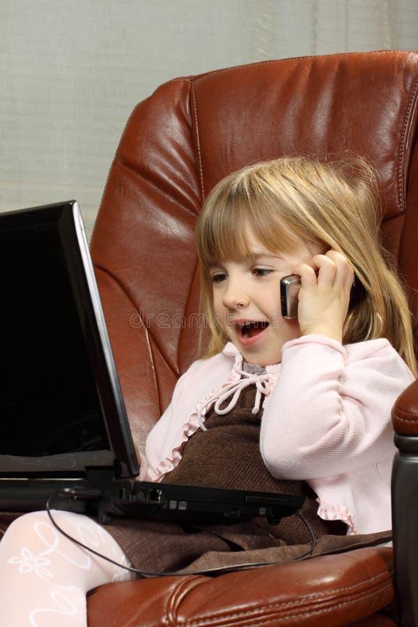 επιχειρησιακό κορίτσι λί&g στοκ φωτογραφία με δικαίωμα ελεύθερης χρήσης