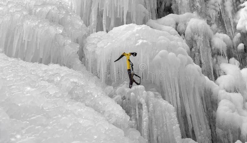 Επιλογή πάγου στο icefall στοκ εικόνες