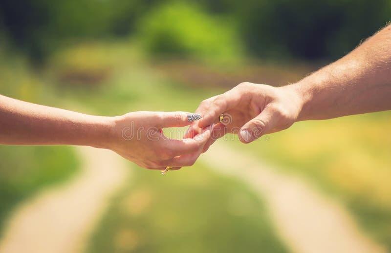 εραστές χεριών Αγάπη στοκ εικόνα