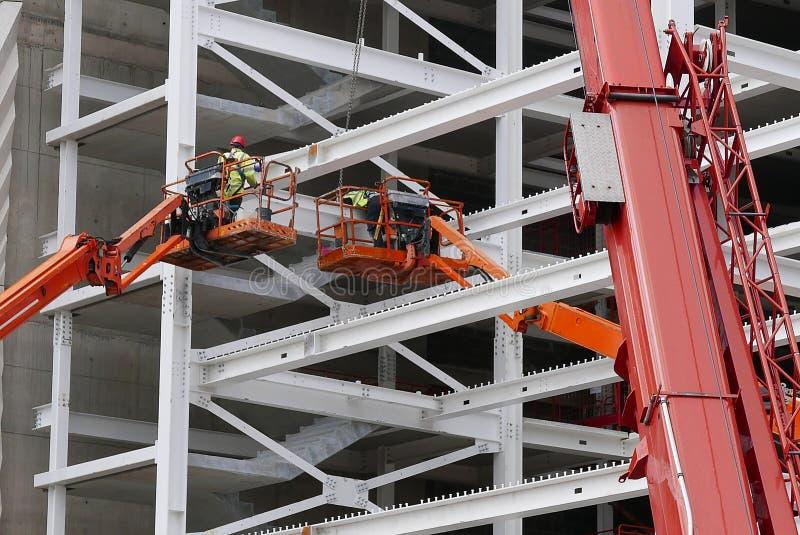 Εργάτες οικοδομών για τη νέα κατασκευή στοκ φωτογραφίες με δικαίωμα ελεύθερης χρήσης