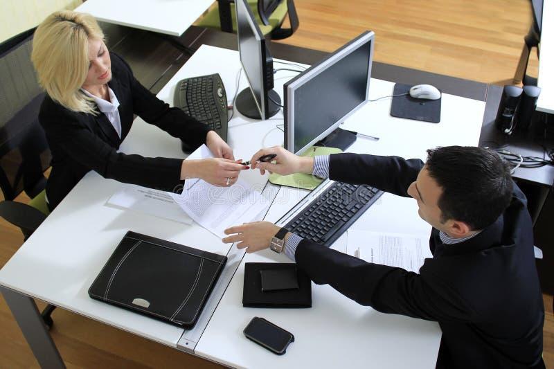 εργαζόμενοι γραφείων