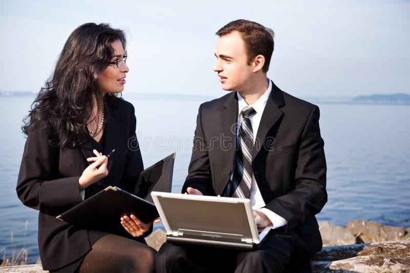Εργαζόμενοι επιχειρηματίες στοκ εικόνες