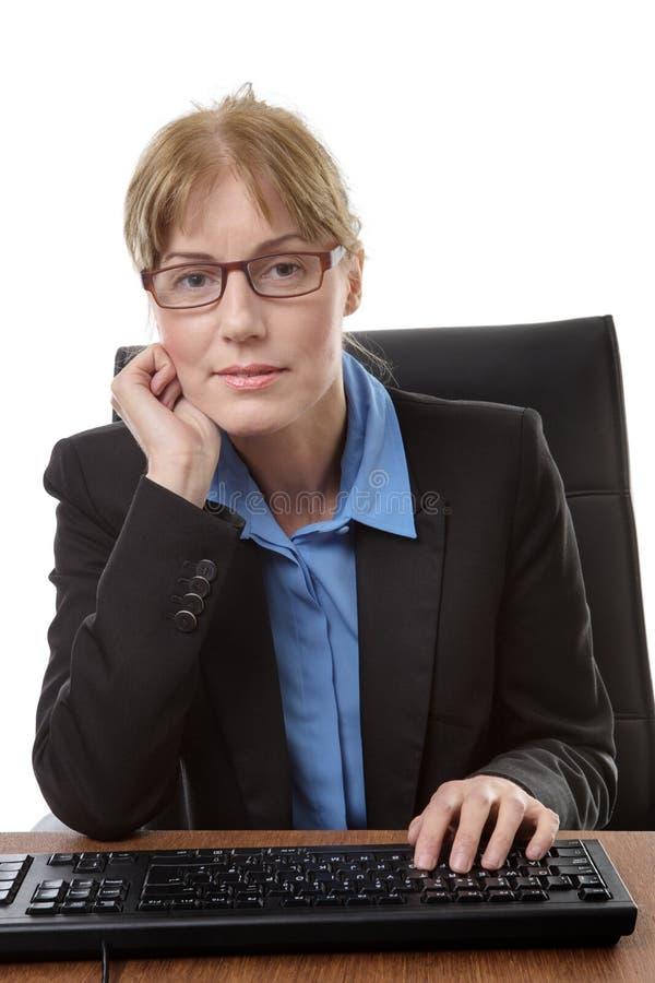 Εργαζόμενος γραφείων συνεδρίασης στοκ φωτογραφία με δικαίωμα ελεύθερης χρήσης